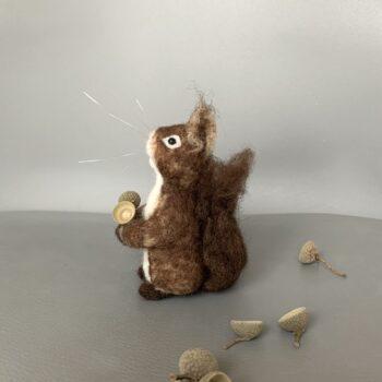 nadelgefilztes Eichhörnchen