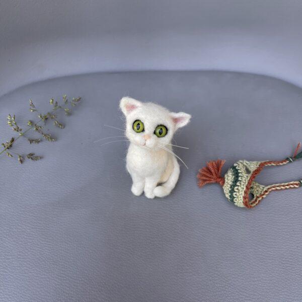 nadelgefilzte Katze